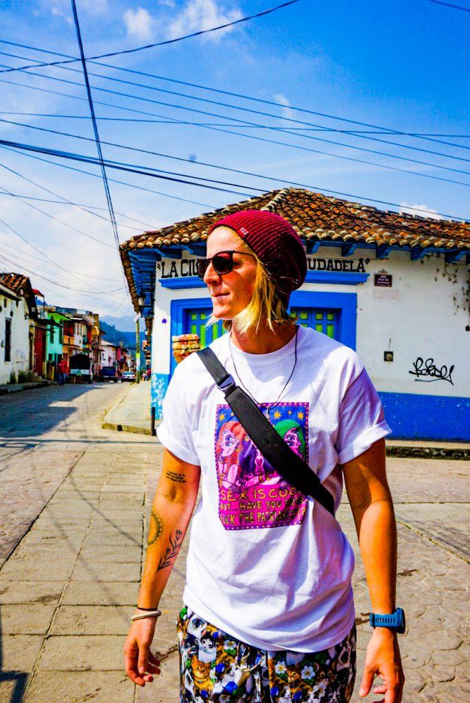 Courtney walking epic travel guide san cristobal de las casas
